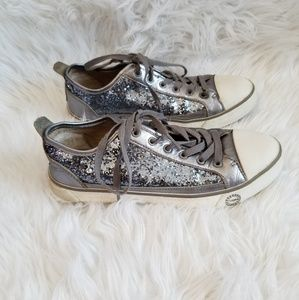 Ugg Sparkly Tennis Shoes Size 8
